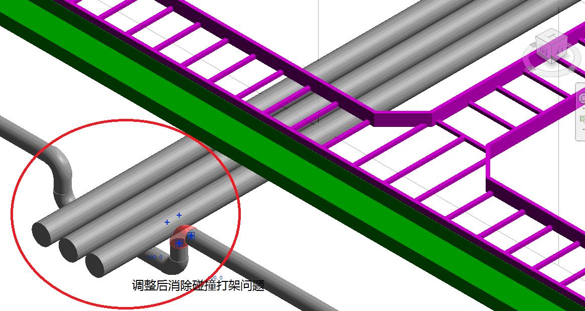 如图中所示,浅蓝色部分是桥架,绿色部分是风管,红色部分是消防水管,图